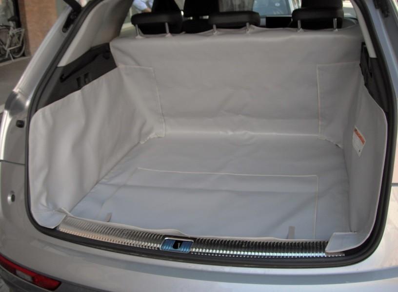 Salva baule Audi Q5 telo cane