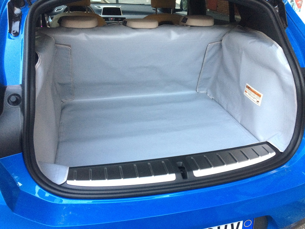 Salva baule BMW X2