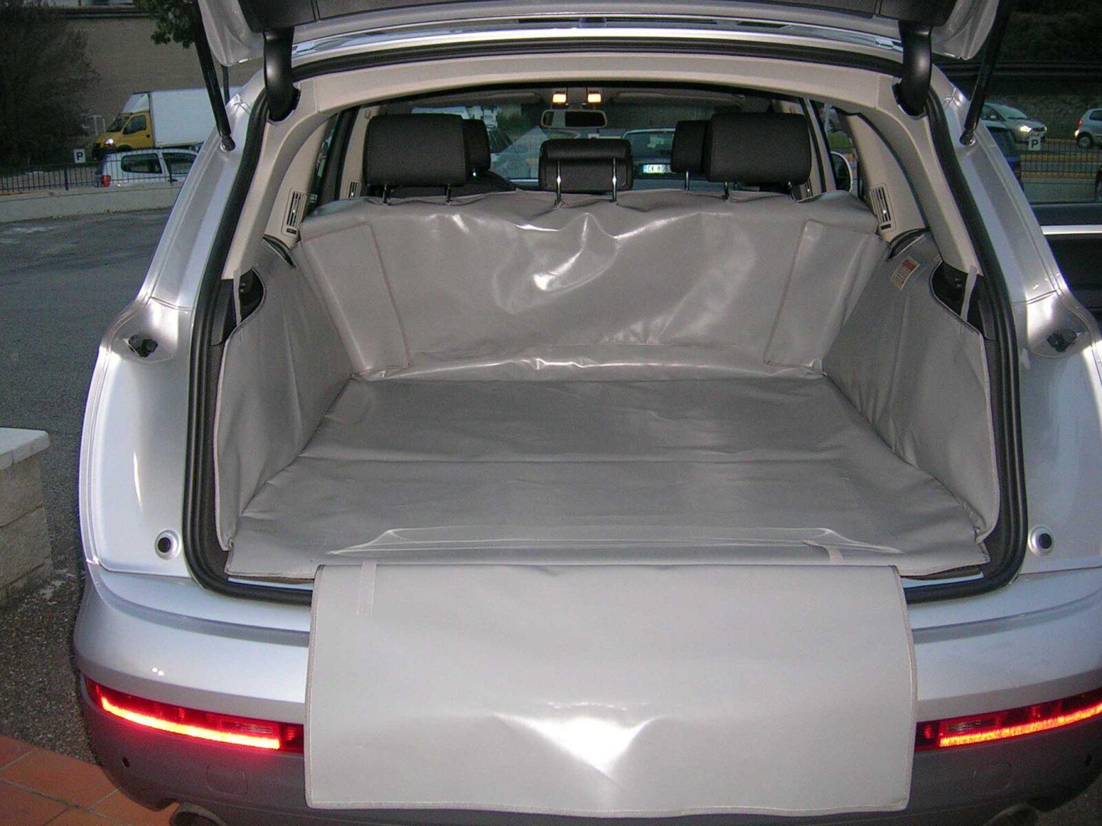 Salva baule Audi Q7 telo cane