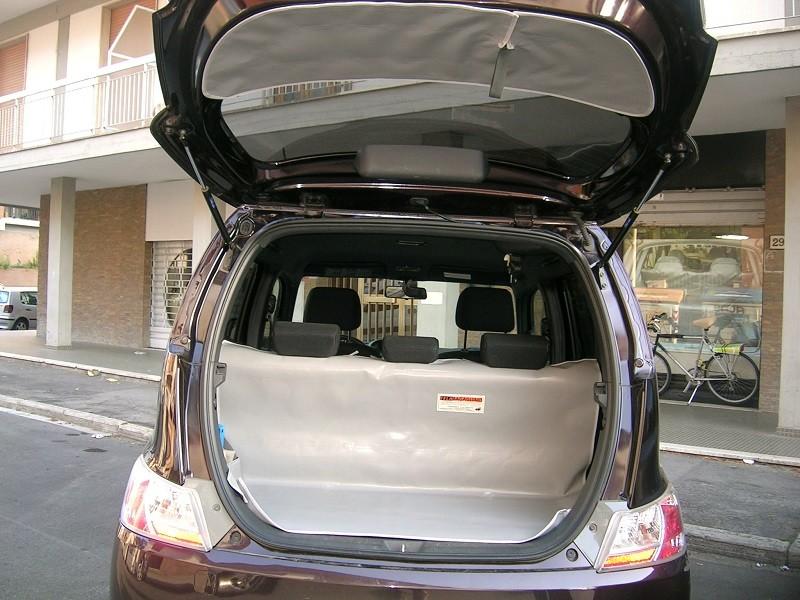 Salva baule Nissan CUBE